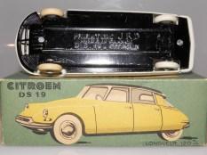 JRD Citroën DS19 chassis en tôle des premières séries