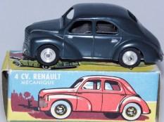 CIJ Renault 4cv '49 mécanique avec jantes en acier de premier type