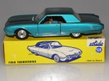 Rare couleur deSolido Ford Thunderbird avec phares moulés