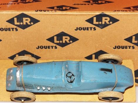 LR-Bugatti sur son socle d'origine
