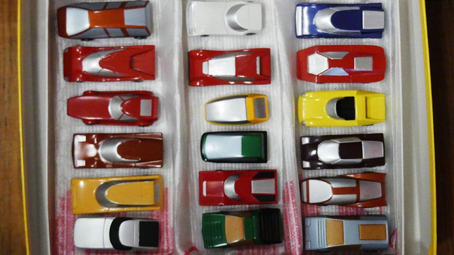 Dinky Toys France la boîte contenant les 18 prototypes au 1/60 avec roues rapide