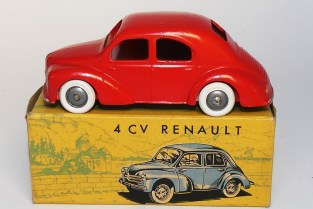 C-I-J Renault 4cv calandre 3 barres jantes en plastique de couleur argent châssis riveté