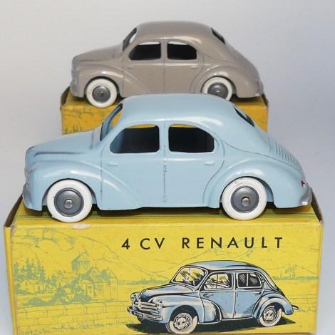 C-I-J Renault 4cv calandre 3 barres jantes en plastique de couleur argent