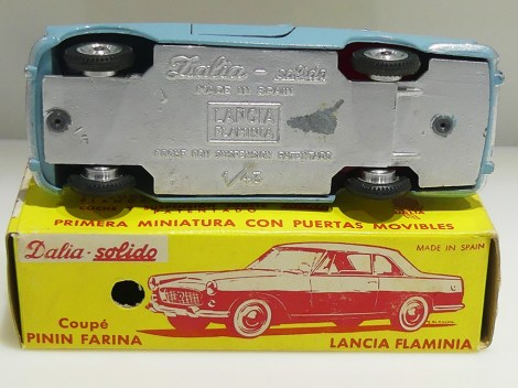 Dalia Lancia Flaminia avec phares en strass