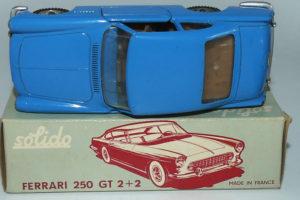Solido Ferrari 250GT 2+2 (tableau de bord monobloc)