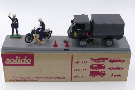 Solido coffret avec Renault 4x4 gendarmerie
