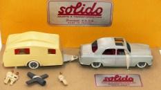 Solido coffret Junior avec Peugeot 403 et caravane