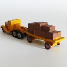 """""""jouets Citroën"""" Citroën P108 avec remorque plateau et caisses en bois"""