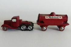"""""""jouets Citroën"""" Citroën P108 avec remorque citerne""""Mobiloil"""""""