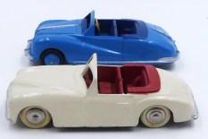 Dinky Toys Austin Atlantic et Simca 8 Sport