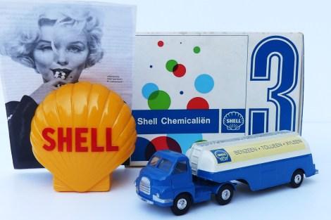 """Le lot gagnant ! Marilyn Monroe, la tirrelire Shell et le Corgi Toys Bedford type S tracteur semi remorque citerne""""Shell chemicals"""""""