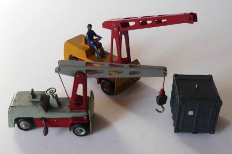 Dinky Toys Salev les deux prototypes (bois 1/38 environ et laiton 1/43)