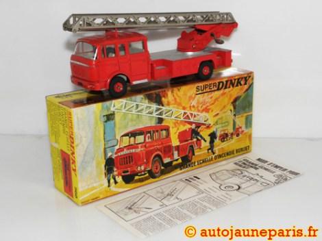 Dinky Toys Berliet Gak grande échelle pompier