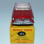 Dinky Toys Chrysler New Yorker avec intérieur rosé et jantes concave et boîte double référence 520/24 A AU TAMPON (rare)