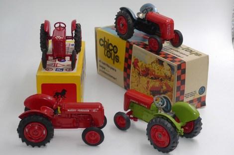 Lion Molberg (Danemark) et Chico toys (Colombie) Massey Ferguson 35