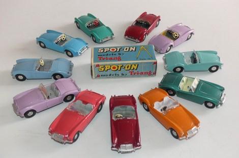 """Spot On MG """"A"""" cabriolet quelques couleurs parmi les autres !"""