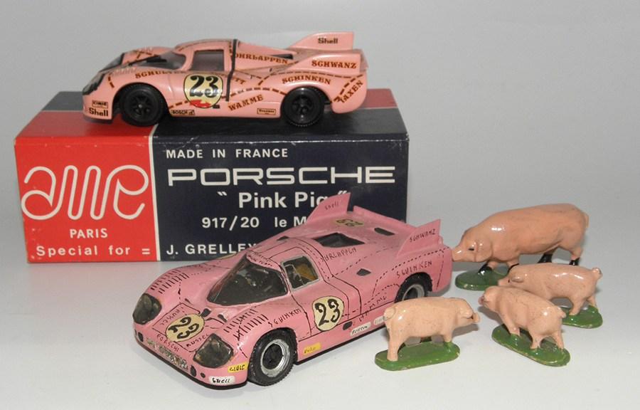 """Porsche 917/20 """"cochon rose"""" le Mans 1971 avec la progéniture"""