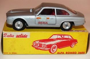 Dalia Solido Alfa Romeo 2600 Iberia ( jantes en acier chromé et phares en strass)