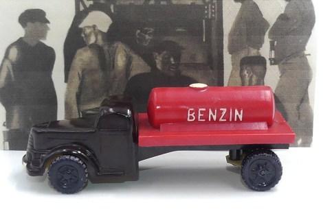 "Smer Tatra T148 camion citerne ""Benzin"""