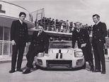 l'écurie Ford Franceavec Schlesser, Ligier (assis sur l'auto) et Henri Chemin