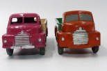 "Dinky Toys prototype bois du Bedford type ""S"" et la version de production"
