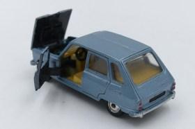 Buby Renault 6 IKA (finitions peintes de couleur noir)
