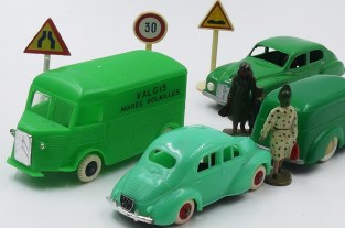 circulation anarchique : piétons, automobilistes, tous responsables