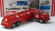 "Tekno Scania 110 semi citerne""Moblilgas"" prototype venant de chez Tekno"