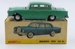 Dinky Toys Inde Mercedes 220SE avec chassis Dinky Toys India) et avec jantes en acier chromé d'origine anglaise