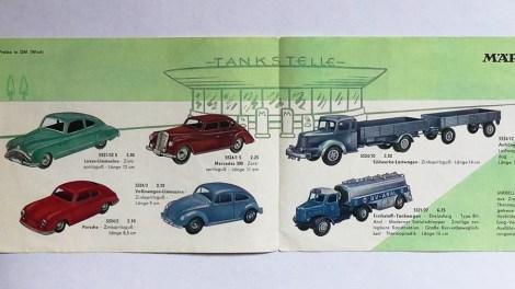 Marklin catalogue d'immédiat aprés guerre avec la Buick et la Mercedes 300.