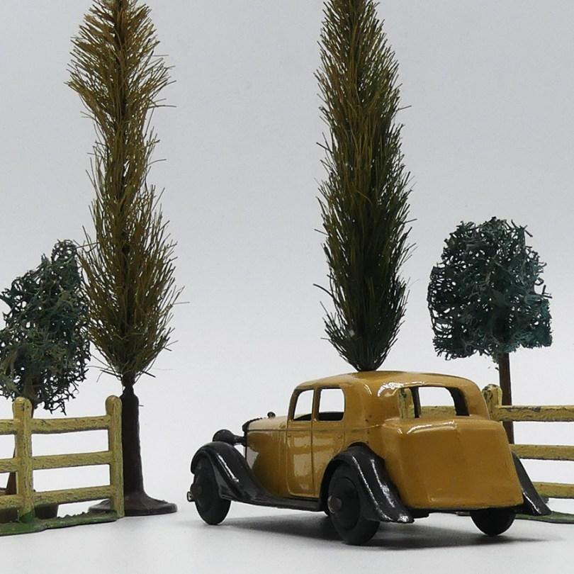 """Dinky Toys Daimler 30 d'après guerre. """"harmonieuse nature"""""""