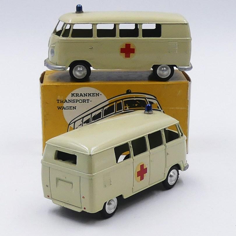 """Märklin Volkswagen fourgon mini bus """"Croix Rouge"""" type 2 avec clignotants et pare chocs arrière"""