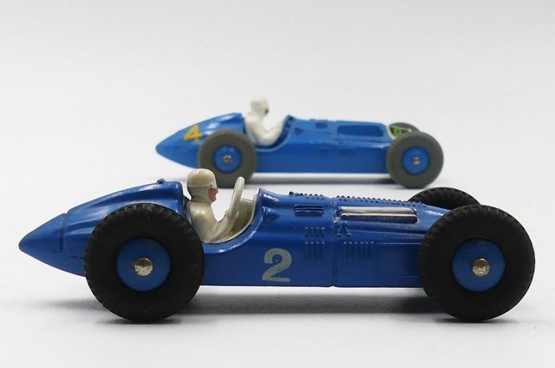Dinky Toys France (premier plan) et Grande Bretagne Talbot Lago 4,5L