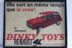 affichette Dinky Toys France avec la Renault 4L