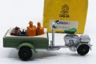 Dalia Lambretta triporteur avec sa cale carton (chargement varié))
