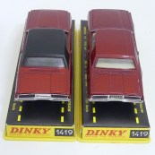Dinky Toys Ford Thunderbird coupé 68 unicolore et avec pavillon vinyl
