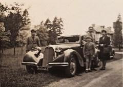 1948. La Talbot familiale avec mes grand parents Pierre et Marcelle posant fièrement avec mon père (9 ans) et son frère à gauche