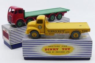 Dinky Toys Foden Mk2 et Leyland comet en versions plateau...deux visions de la version plateau