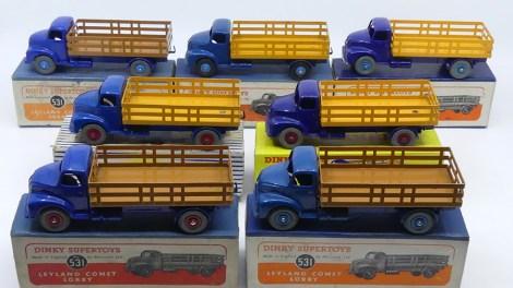 Dinky Toys Leyland Comet avec ridelles ajourées