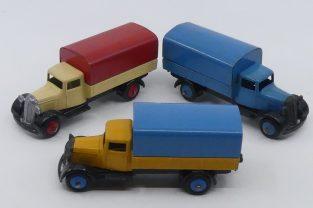 Dinky Toys 25 B camions bâché type 4 (chassis fermé avec pare chocs)