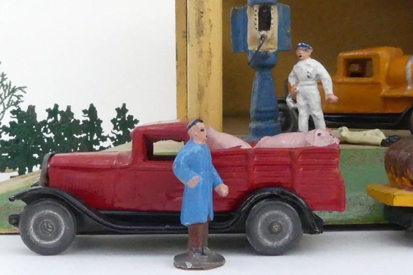 Garage Citroën avec quelques exemplaires de Jouets Citroën C4