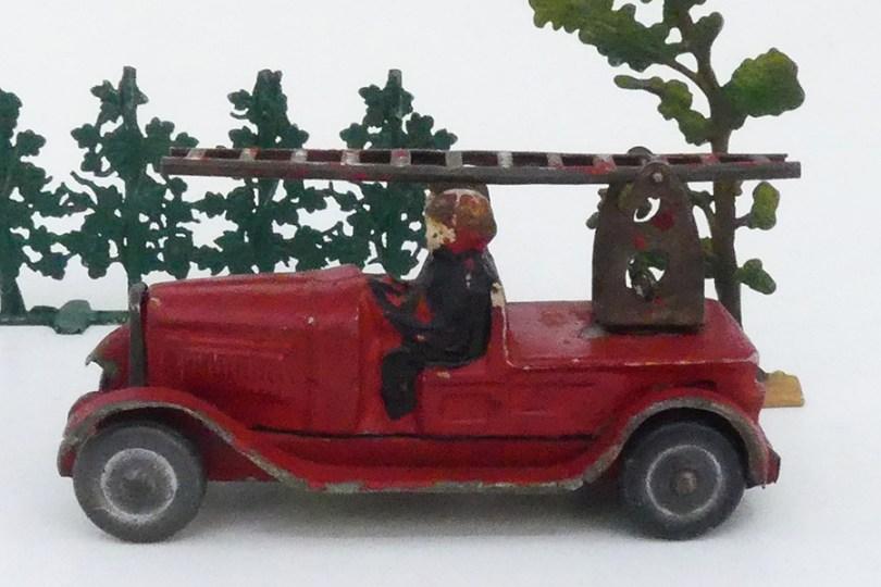 """""""Les jouets Citroën"""" Citroën C4 pompier grande échelle"""