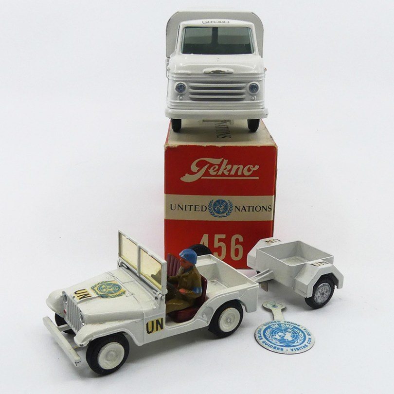Tekno Volvo express et Willys United Nations