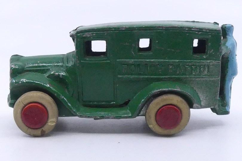 Savoye camionnette police