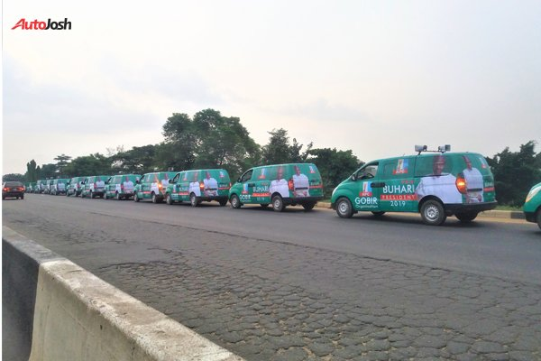 Buhari-Campaign-Cars-10 About 100 Buhari Campaign Buses Spotted In Lagos (Photos)