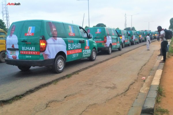 Buhari-Campaign-Cars-3-1 About 100 Buhari Campaign Buses Spotted In Lagos (Photos)