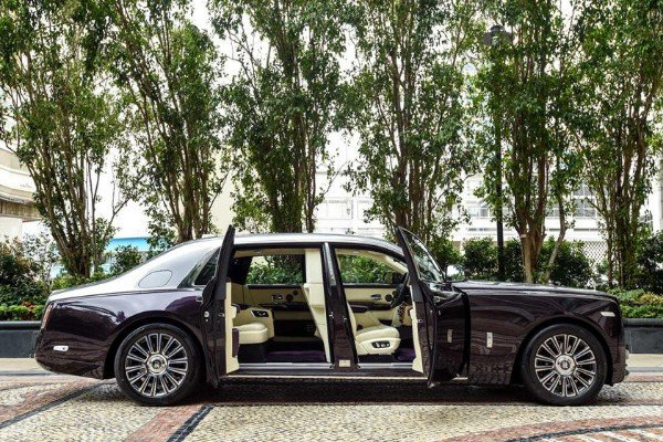 The Privacy Suite In Stretched Rolls-Royce Phantom VIII