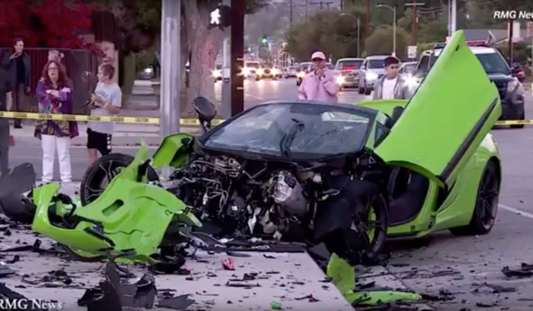 McLaren 650s Spider crash