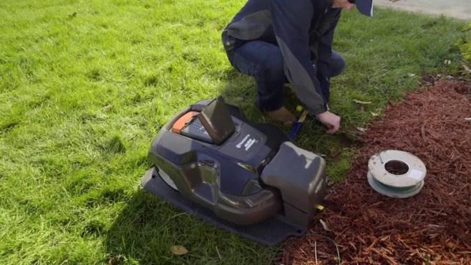 husqvarna-robotic-mower-315X installation