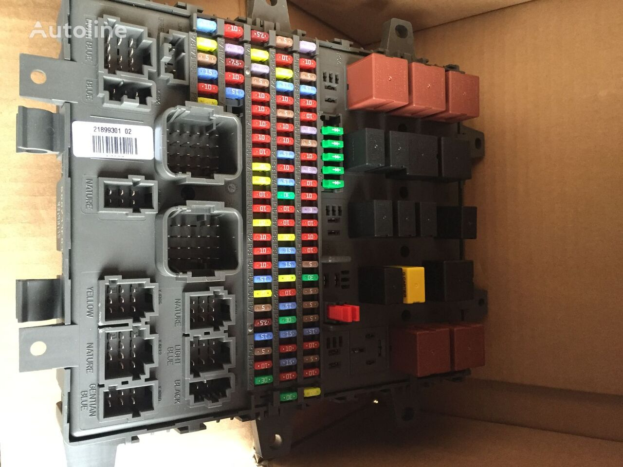 hight resolution of new volvo fuse block for volvo fh fm fmx fe fl truck